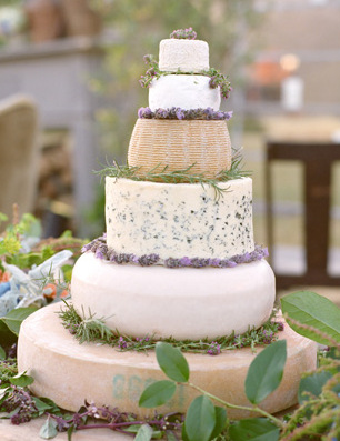 cheese-wheel-wedding-cake2